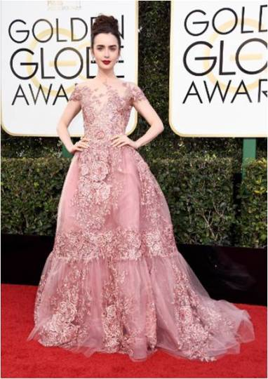 Lily Collins en los Golden Globes 2017