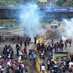 Marcha fue recibida con gases lacrimogenos/Foto: Giancalo Corrado