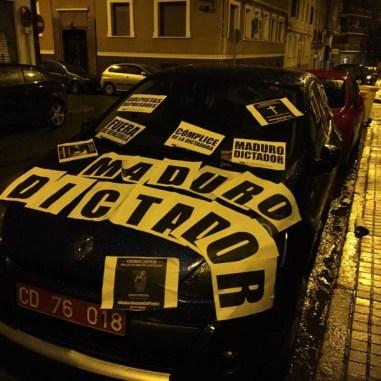 vehiculo de Embajador de venezuela en España Mario Isea