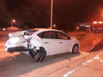 Así quedó el carro de la animadora tras el impacto. Foto: Yohana Vargas