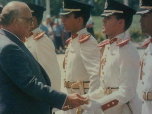 1988-graduacion-Juan Carlos Otaiza