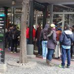 Venezolanos participan en la consulta popular en Buenos Aires, Argentina/ Foto: Kelly Granados