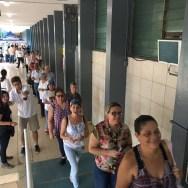 Antes de las 6:00 am llegaron los venezolanos a los tres puntos soberanos de Panamá/ Foto: María González