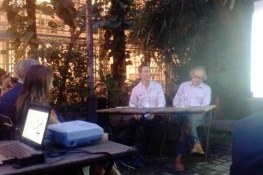 De izquierda a derecha, los ponentes invitados, Stefan Gzyl y Rafael Marziano