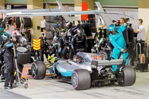 Escudería Mercedes 2017 F1 Hamilton Bottas (4)