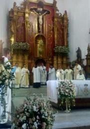 La virgen llegó en procesión