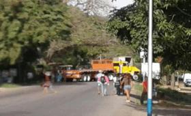 pobladores de santa fe en sucre cerraron troncal rechazando aumento de pasaje