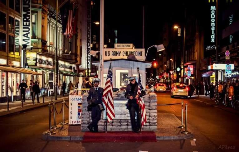 Checkpoint Charlie. Foto: Pixabay