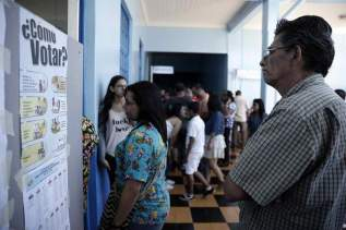 Electores en los centros de votación/Foto: EFE