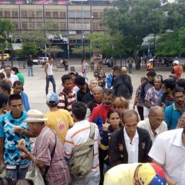 Jovenes celebran dia de la juventud repartiendo comida en Tachira 3