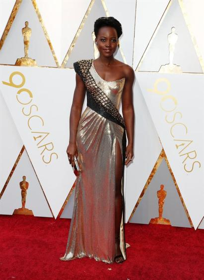 Lupita Nyong'o en la alfombra roja de los Premios Óscar