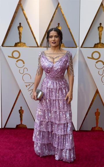 Salma Hayek en la alfombra roja de los Óscar