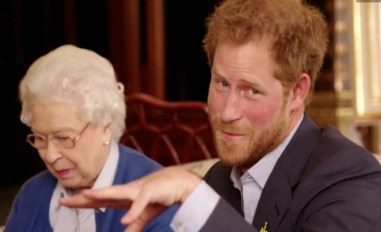el-principe-se-burla-de-la-reina