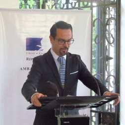 """El embajador de Francia en Venezuela, Romain Nadal, aseguró que con la firma de la Red Marcel Roche, se busca """"reafirmar su compromiso con la educación y con Venezuela en base a valores compartidos"""" por ambas naciones"""