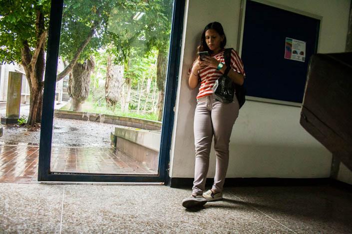 A pesar de la falta de transporte, los estudiantes están asistiendo a las clases de verano. Foto: @rastavafotografía
