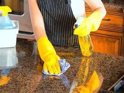 طريقة سهلة لتنظيف بقع الرخام