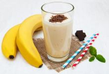 Photo of طريقة عمل عصير الموز والجوافة باللبن