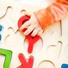 العوامل التي يجب توافرها في لعب الاطفال من سن 3-7: