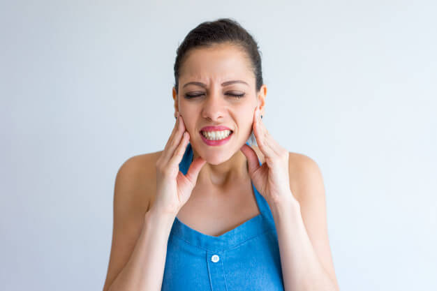 اسرع علاج الم الاسنان بالاعشاب فى البيت