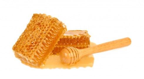 وصفة العسل لتبييض اليدين