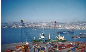 O porto de Valparaiso visto de um dos mirantes!