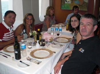 Um Jantar... (ou almoço?), com nossos amigos!