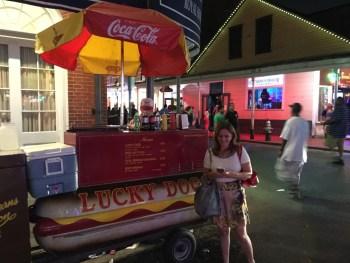 """Que tal um hot dog """"caseiro""""? Esse é o verdadeiro de New Orleans!"""