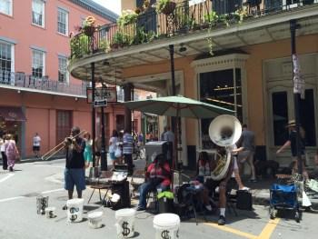 Música no Frenc Quarter, o bairro mais famoso de New Orleans