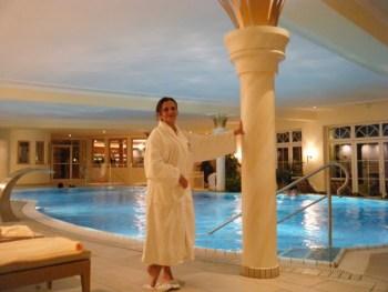 """""""Amarmotada"""" com esse roupão enorme (rsrs) no spa do hotel!"""