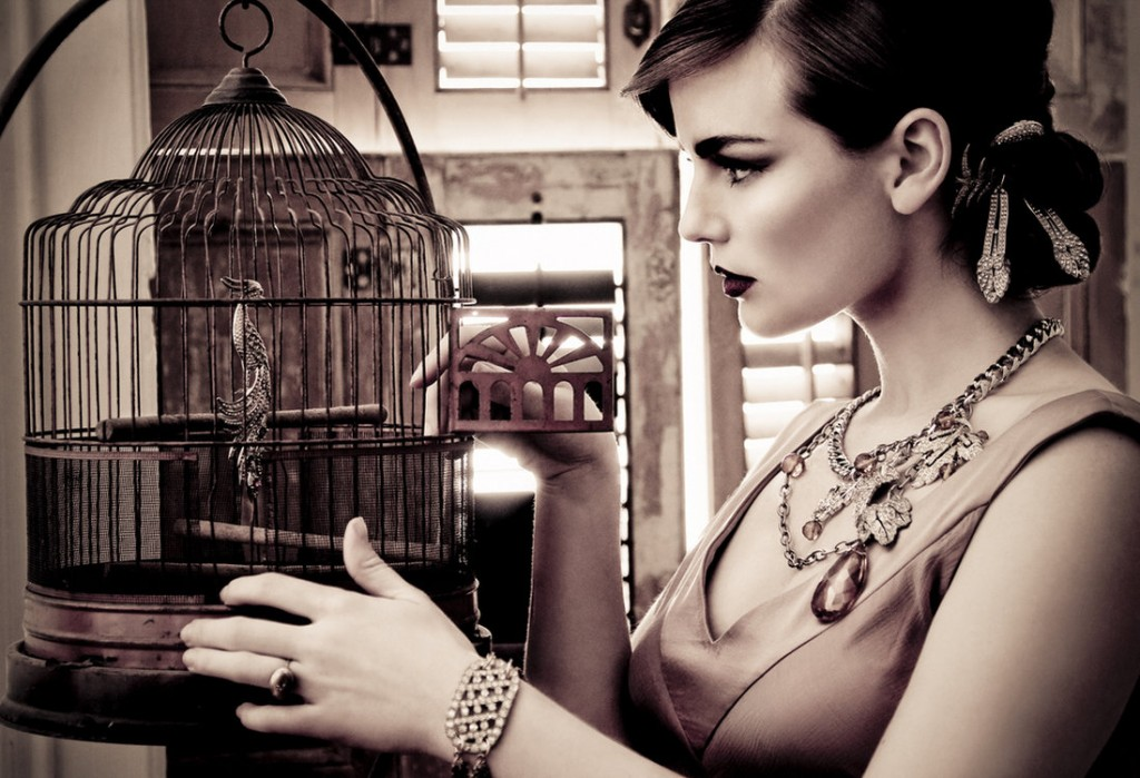 style-fashion-colonial-art-cage-bird-old-school-oldies-vintage-women-photography-ring