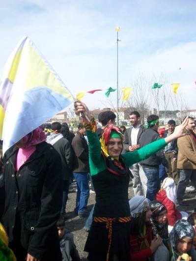 Celebrando Newroz en Estanbul, 21 de Marzo del 2009 (imágen de José A. Gutiérrez)