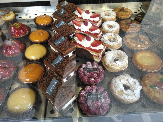 Boulangerie Desserts - best things to do in Paris, France