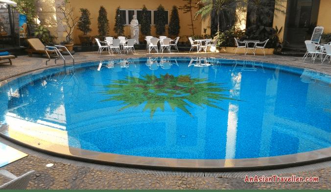 top hotel swimming pools four seasons pattaya
