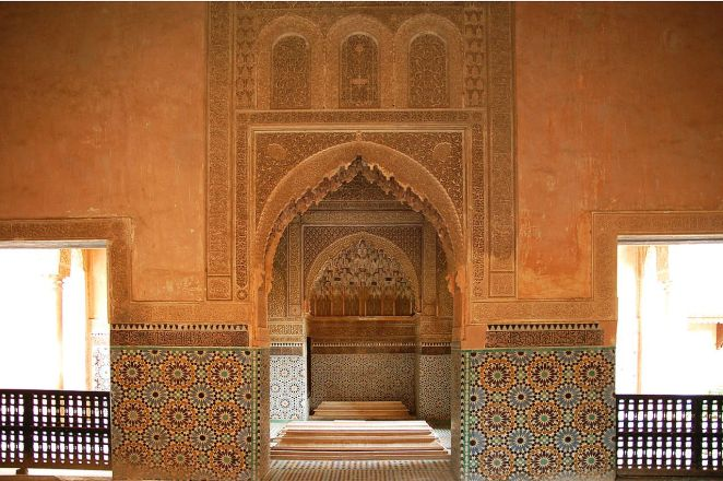 Saadian tombs marrakesh highlights