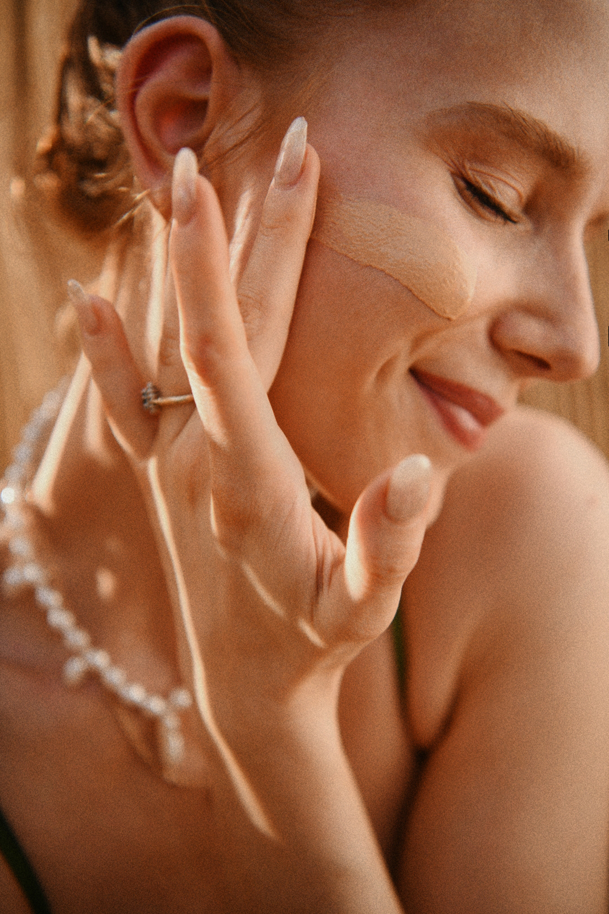 Sunscreen application by Anastasija