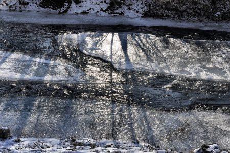 It freezes - noch ein paar Tage, und der Klingengraben ist ganz mit Eis umhüllt.