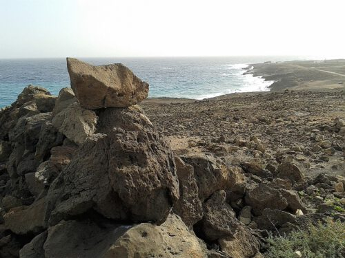 Die schroffen Felsenküsten Lanzarotes sind nicht unbedingt etwas für Strandlieger, aber wunderbar geignet, um erwandert zu werden.