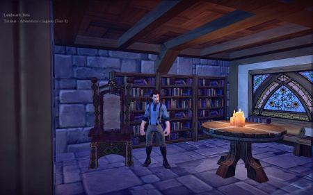 Eine Bibliothek muss sein! Unbedingt! Bislang ist die von Cair Andune allerdings noch überschaubar und - trotz Kerzen - etwas duster.