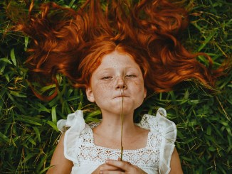 Freckled Girl in Summer (Foto: Matheus Bertelli via Pexels)