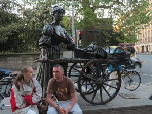 Statue of fictional Molly Malone