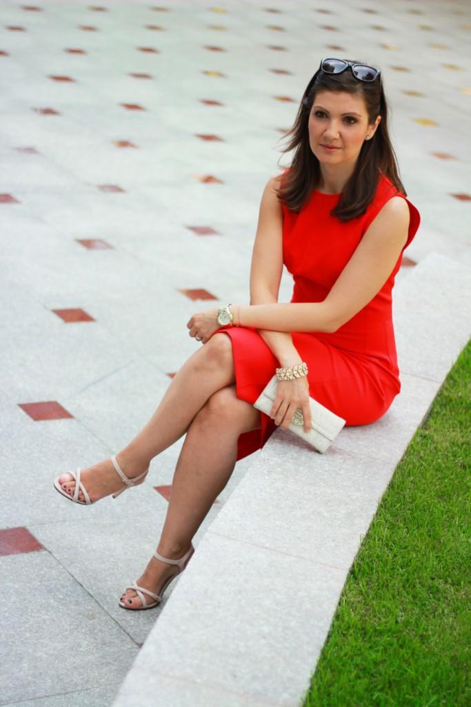 Rochie rosie - tinuta office