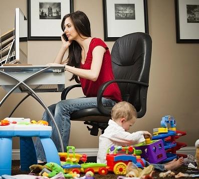 Care sunt provocarile unei mame care lucreaza de acasa?