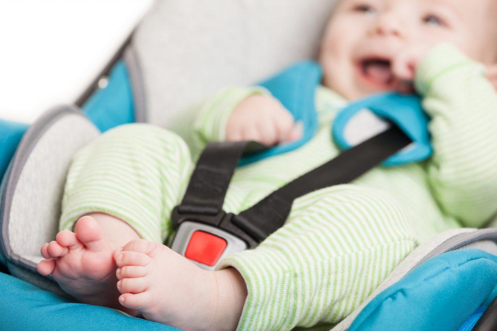 Cum alegi scaunul auto pentru copii