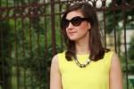 Ochelarii de soare au fost inventați de mame cu nopți nedormite