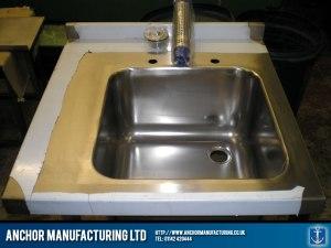 Small wash basin unit.