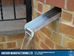 Stainless steel water slide feature