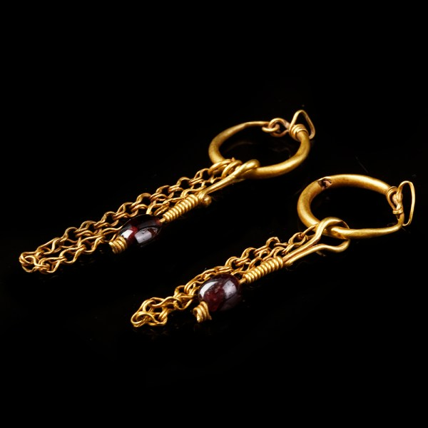 Roman Earrings with Garnet and Gold Chain