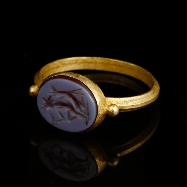Roman Gold Nicolo Intaglio Ring