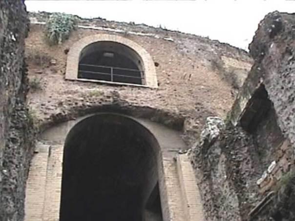 Acceso al Mausoleo de Augusto. (CC BY-SA 3.0)