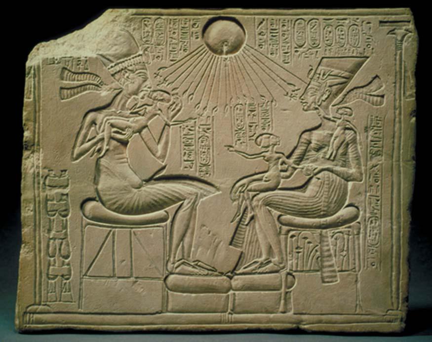 Akenatón, Nefertiti y las princesas reales son bendecidos por Atón (disco solar). (CC BY 2.0)